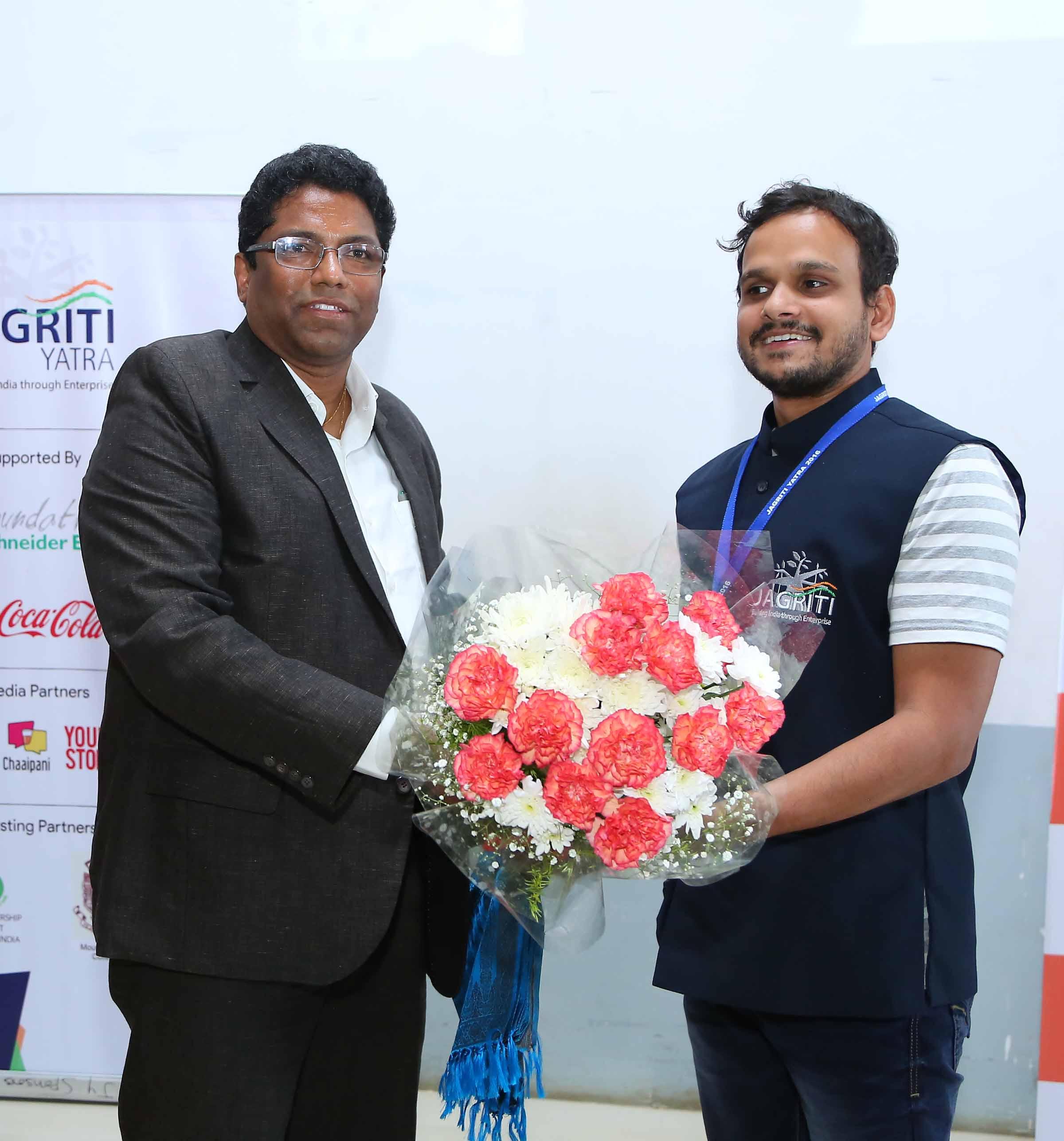 1-md-sricity-welcoming-mr-asutosh-of-jagriti