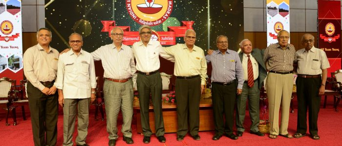 Prof. Bhaskar Ramamurthi, Director, IIT-M with the first batch that graduated from the Institute in 1964 during Diamond Jubilee celebrations